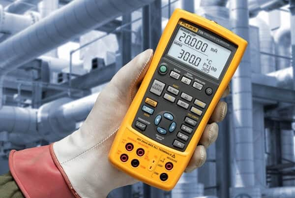 Fluke 726 multifunction calibrator