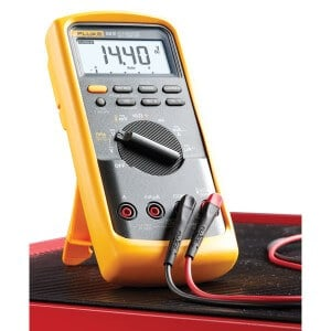 Fluke 88v Automotive multimeter measurements