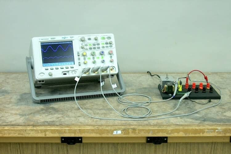 working Full wave rectifier image with rectified wave output
